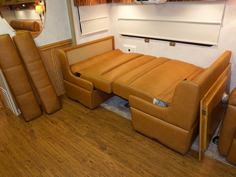Villa Ld Rd Dinette Booth W Bed